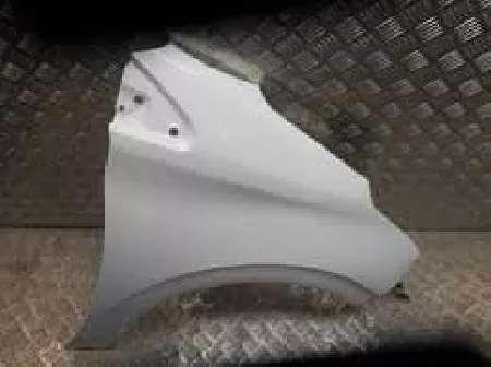 aile gauche 208 couleur blanc