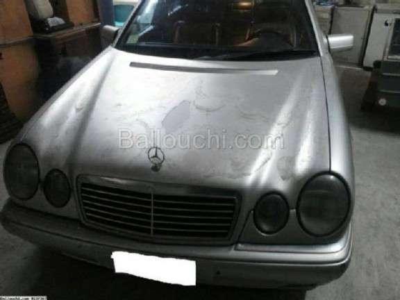 Phare de Mercedes E200 année 2002 côté droit